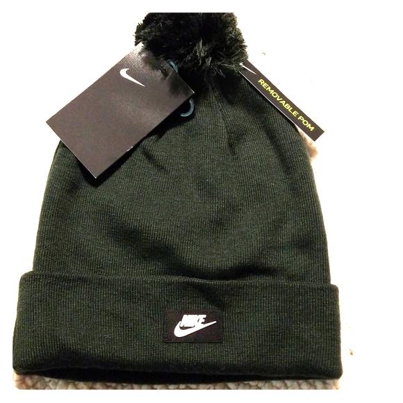 0cdcebcdeb6 NWT Nike winter hat w  removable pom pom
